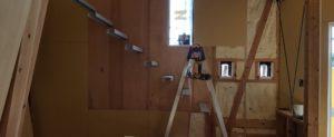 ストリップ階段を造作中です。(鹿児島市下田町新築住宅)